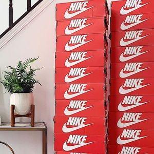 Nike MYSTERY box sneakers